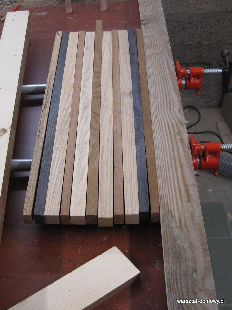Deska do krojenia z kolorowego drewna - pierwsze klejenie