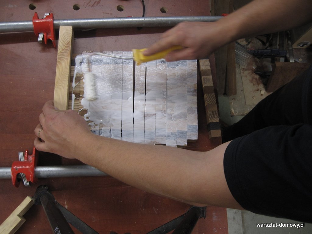 Deska do krojenia z kolorowego drewna - drugie klejenie