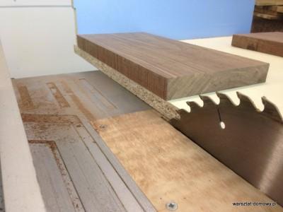 2014 01 25 21.00.28 400x300 Relacja z budowy stołka warsztatowego (#SSBO)
