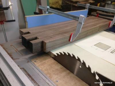 2014 01 25 22.52.00 400x300 Relacja z budowy stołka warsztatowego (#SSBO)
