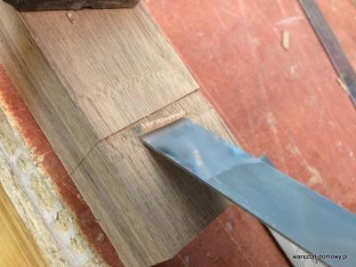 2014 01 26 00.43.33 400x300 Stołek barowy z drewna orzechowego
