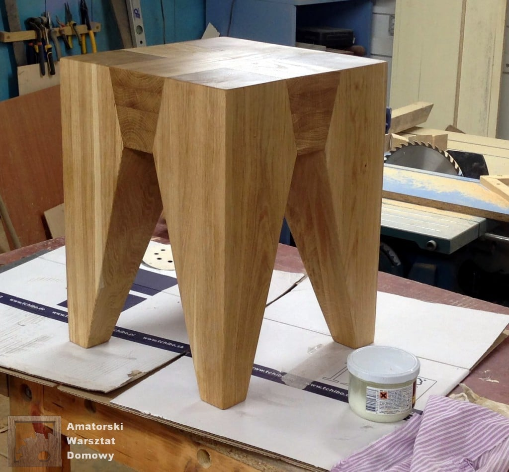 IMG 5699 1024x949 Dębowy stołek według projektu pani Joanny